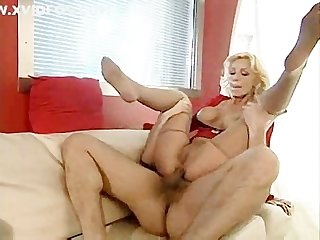 Milf likes using feet
