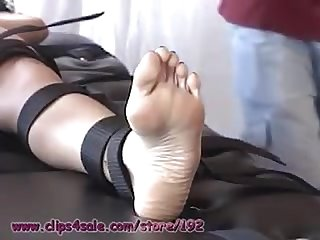 Extremely ticklish hot latin girl beautiful feet long toes