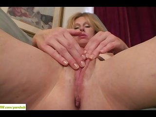 Holly jones masturbates mature hairy pussy
