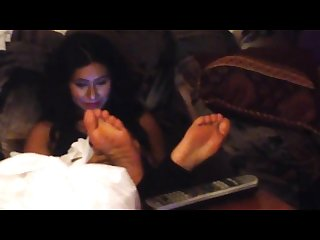 Aimee S Candid barefeet at party