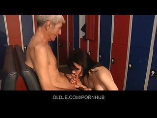 Wizened old man gets kinky brunette sucking his old dick with lust