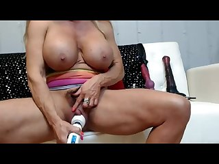 Muscle woman really wants her orgasm