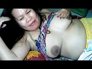 Filipina mature mom lynn playing with her big tits and nipples on webcam