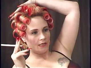 Milf in curlers smkoes and relaxes