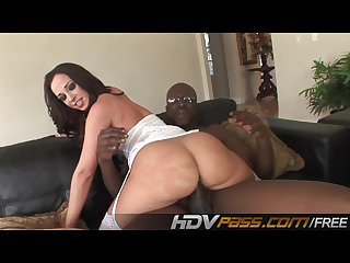 Sexi Brunette with a Big Butts Jada Ride a Big Black Cock