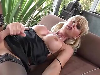 Joanna jet 148 satin lounging