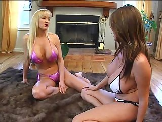 Tanya danielle vs kianna dior busty cat fight