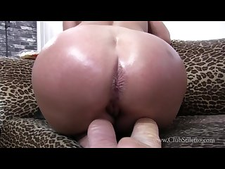 Close to Blonde�s asshole