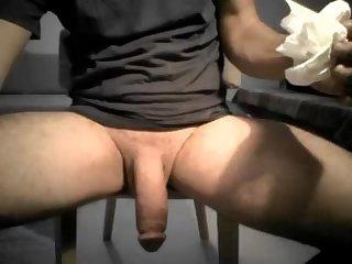 Huge turkish sausage shoots his milk