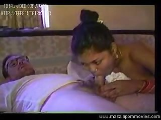 Andhra aunty fucked with old man at hotel room