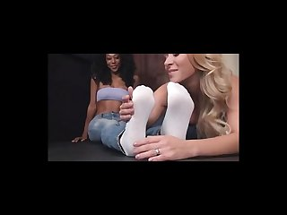 Blonde worshipping big ebony feet