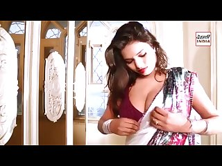 Hot Bhabhi Cleavage show on first night new video