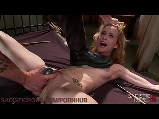 Submissive suffers through intense live shoot