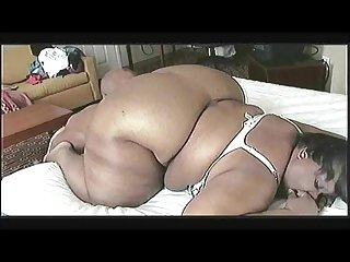 Supersize sexy mama playtime
