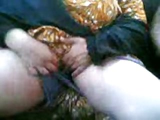 Arab milf sucking and fucking in a car