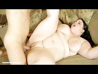 Teen bbw holly jayde takes huge cock in her ass