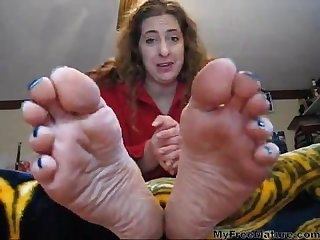 Mature yankee goddess foot domination and Joi webcam session with a pakiboy