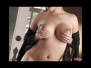 Ashlynn brooke does a sexy strip