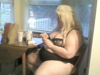 Piggy eating