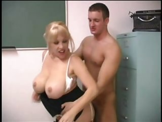 Teacher Kandi cox seduces student