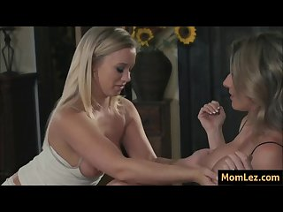 Stepmom and daughter drama over boobs size