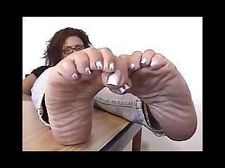 Raven office feet