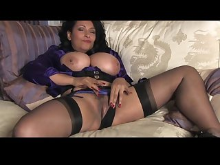 Sexy english milf solo