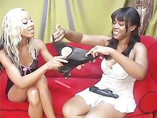 Lesbian dime pieces 9 scene 2