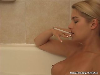 Smoking fetish ryane vandeven smoking in the bath
