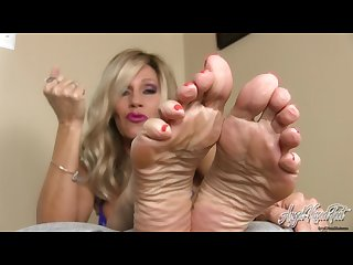 Angel kissed feet stepmom S feet control your cock jerkoff instruction