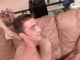Joe parker s1st gay4pay scene ever with a really hot bodybuilder