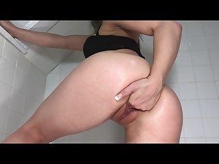 Littlemisselle shoves 4 fingers up her soaking wet pussy free
