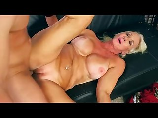 Hot Mature Granny With Shaved Pussy Madison 65 yo Get Fuck