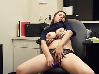 Sexy girl masturbate at work on webcam