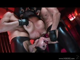 Laatex slut fucks two guy s