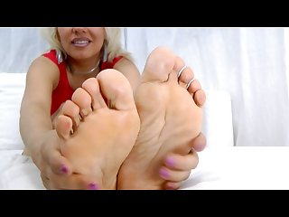 Milf foot tease