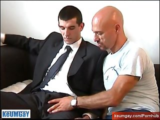Full video a innocent str8 neighbour serviced his big cock by a guy