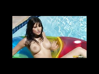 Sunny leone strips for you