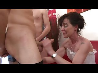 French euro chick gets 2 cocks inside her