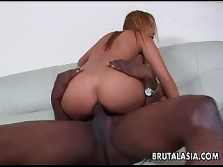 Alluring and curvy asian slut has a bbc she sucks