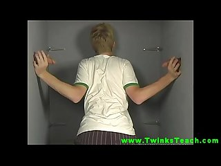 Twinks loves gloryholes to suck gay teen cocks together