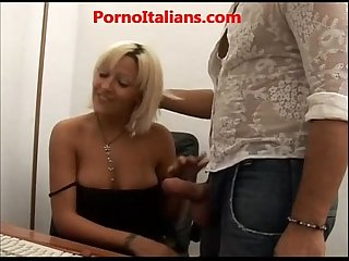 Porno italiano segretaria chiavata in ufficio secretary fucked in the office