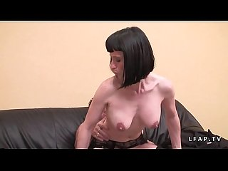 Casting milf francaise aux gros seins sodomisee profondement