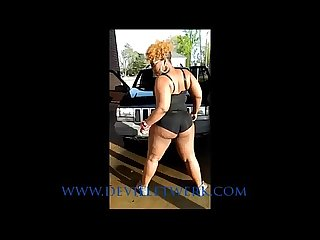 D.Snickas Car Wash Thick Azz Twerk Pt 1