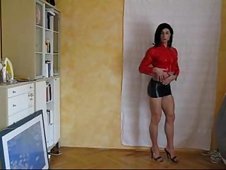 s-Sexy CD shows his body - aShemaletubecom.flv-