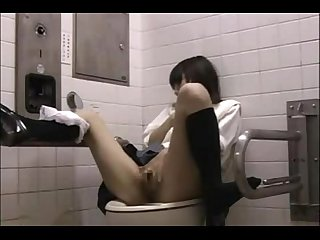 fun with asian in the bathroom from AznBeauties .com