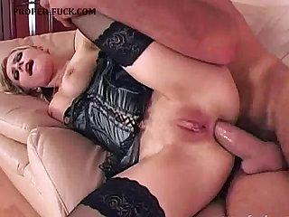 Filling her fuckholes