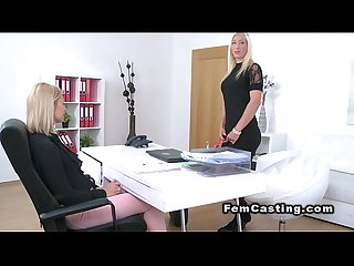 Female agent in bodyhose gets licked by lesbo babe
