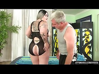 Fat ass nova jade gets a sex massage