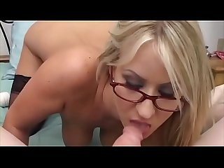 She become horny at work - so a little fuck is not wrong